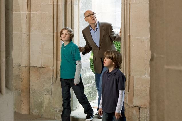 Vater mit Söhnen bei Besichtigung; Foto: Staatliche Schlösser und Gärten Baden-Württemberg, Niels Schubert