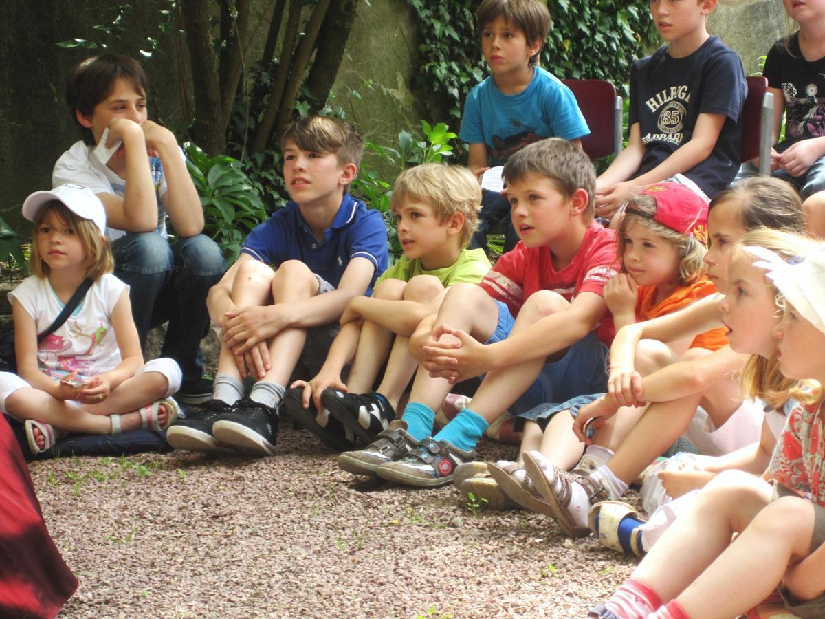 Kinder beim Schulklassenprogramm; Foto: Staatliche Schlösser und Gärten Baden-Württemberg, Schlossverwaltung Weikersheim