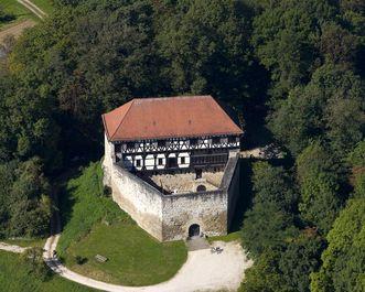 Luftaufnahme der Burg Wäscherschloss