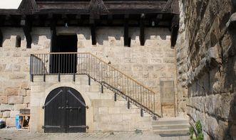 Burg Wäscherschloss, Innenhof mit Treppe; Foto: Amt Schwäbisch Gmünd