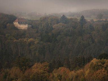 Burg Wäscherschloss von weitem
