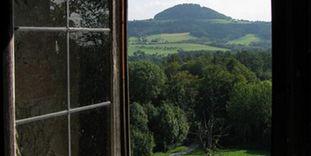 Burg Wäscherschloss, Aussicht auf den Hohenstaufen