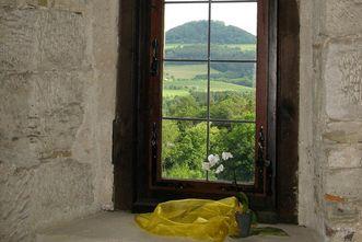 Wäscherschloss, Blick nach außen auf den Hohenstaufen