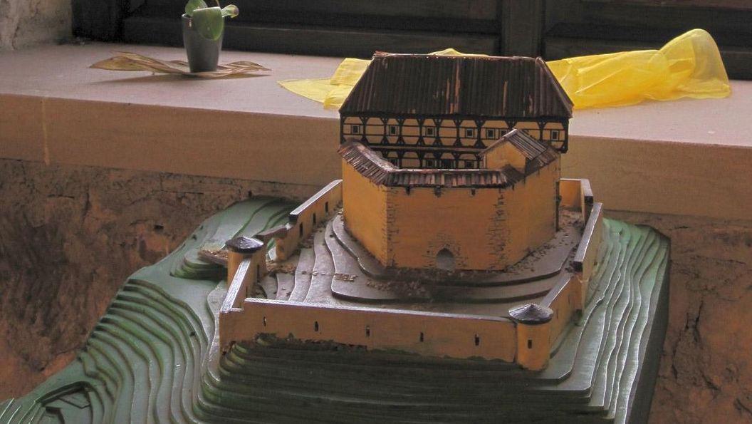 44_waeschenbeuren_detail_modell_foto-ssg-nina-kreckel.crop1200x703.jpg