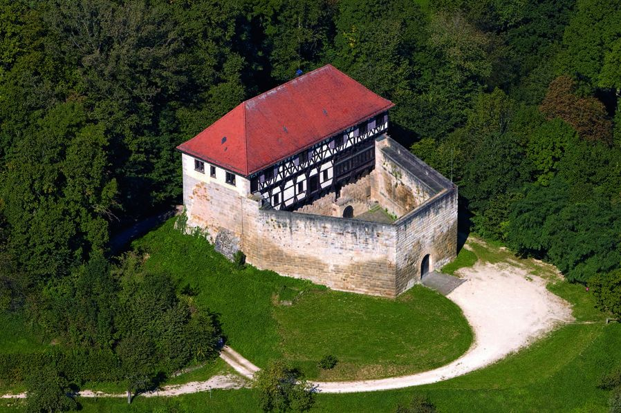Burg Wäscherschloss, Luftansicht